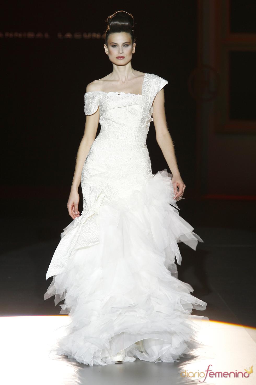 Vestido de novia sofisticado de Hannibal Laguna
