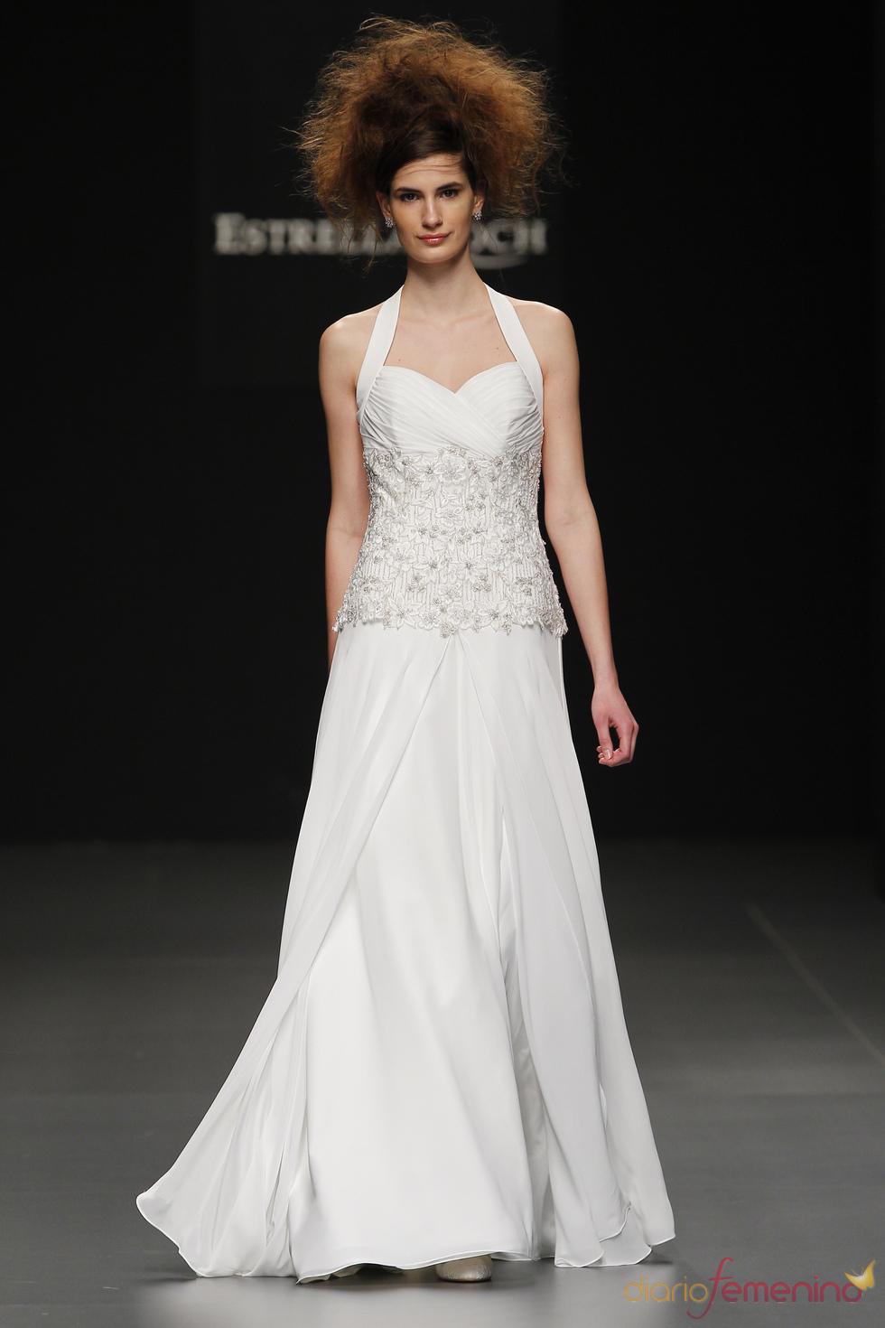 Vestido de novia con corsé de Camila Elbaz