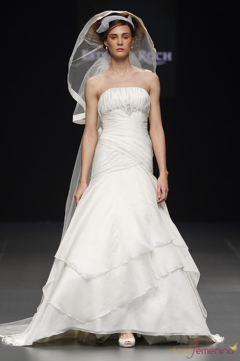 Estrella Roch viste a la novia del 2011