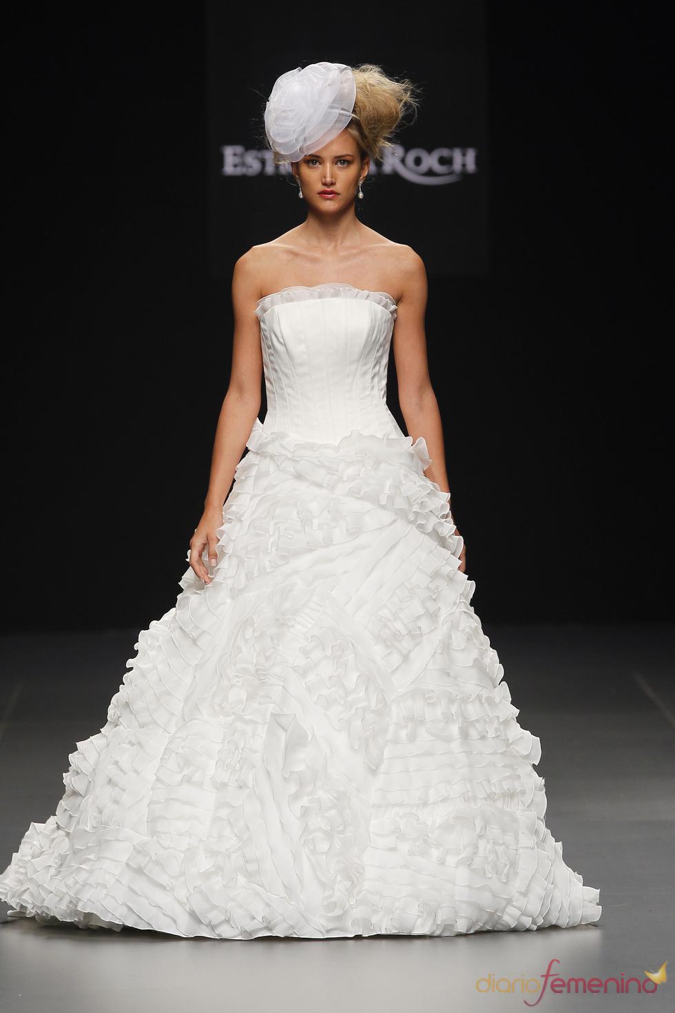 Vestido de novia con volumen, de Estrella Roch