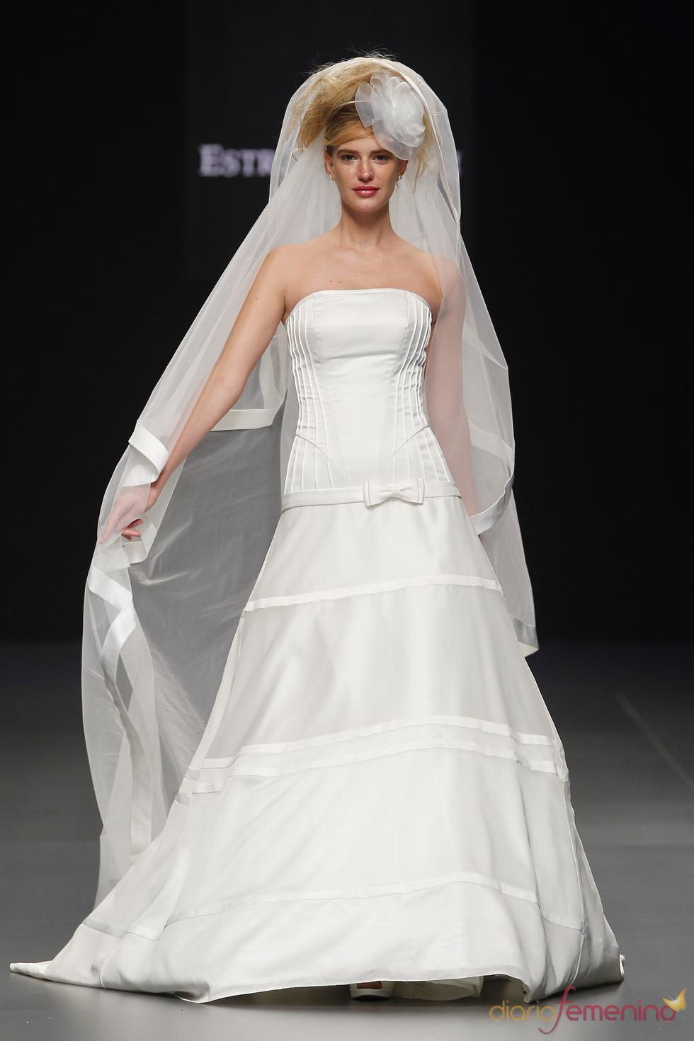 Vestido de novia palabra de honor de Estrella Roch