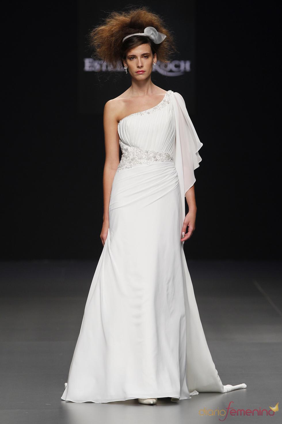 Vestido de novia asimétrico de Estrella Roch