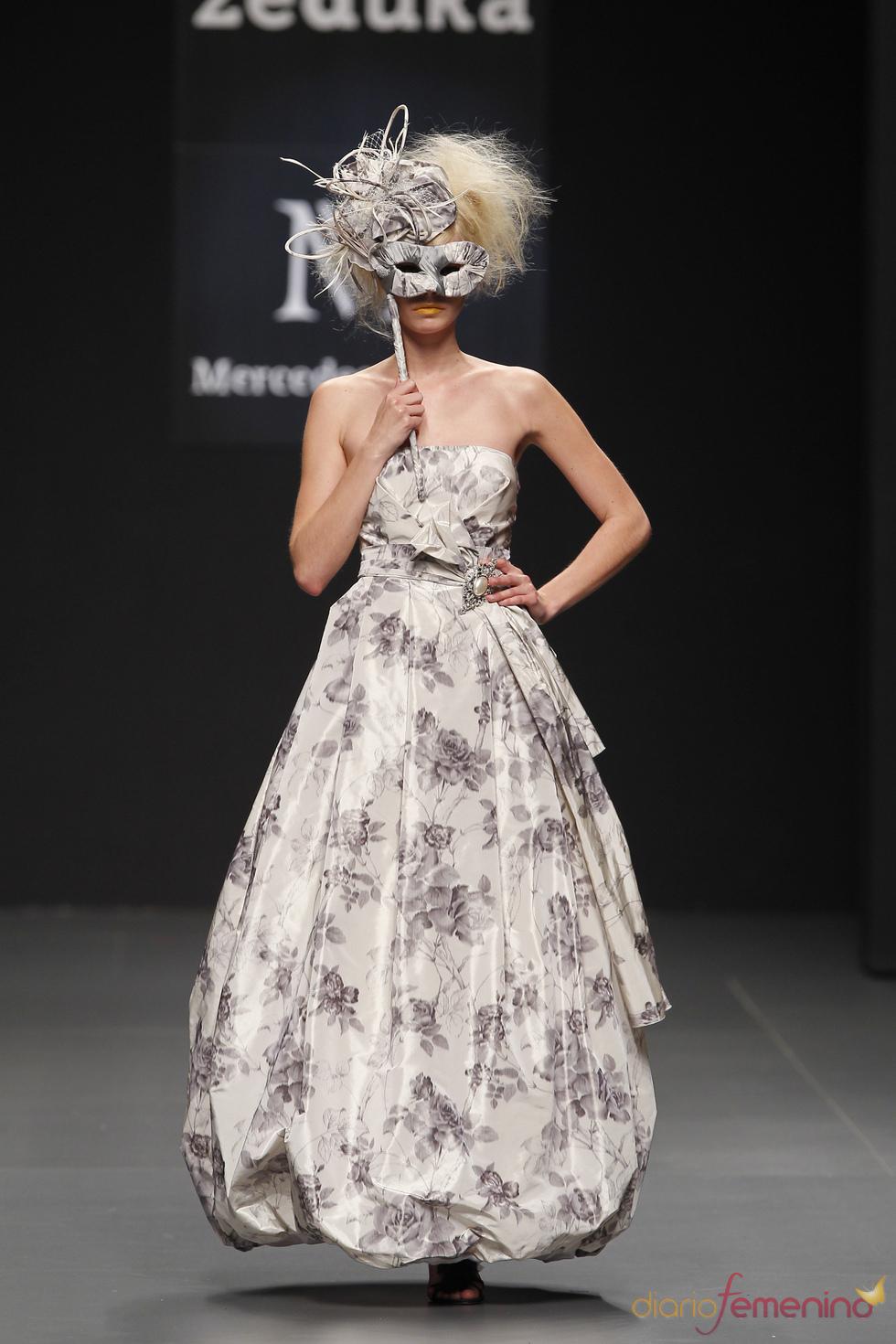 Propuesta de Mercedes Alonso para Cibeles Novias 2010