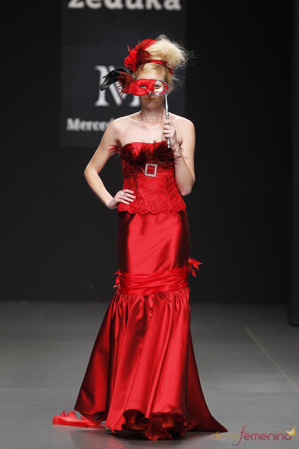 Vestido de fiesta rojo de Mercedes Alonso