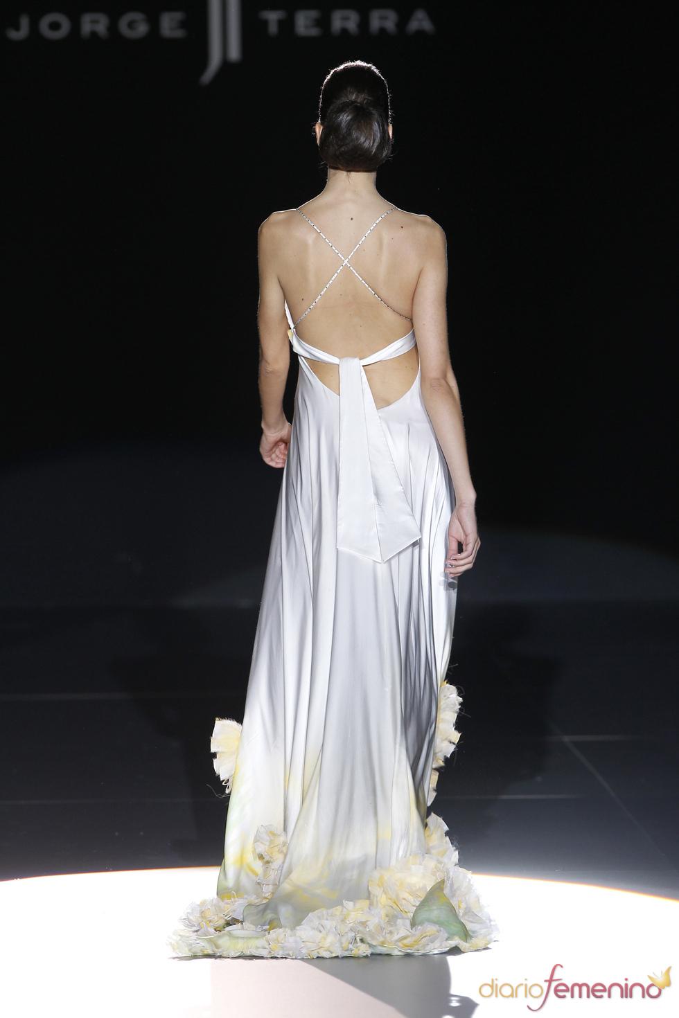 Vestido con espalda descubierta de Jorge Terra