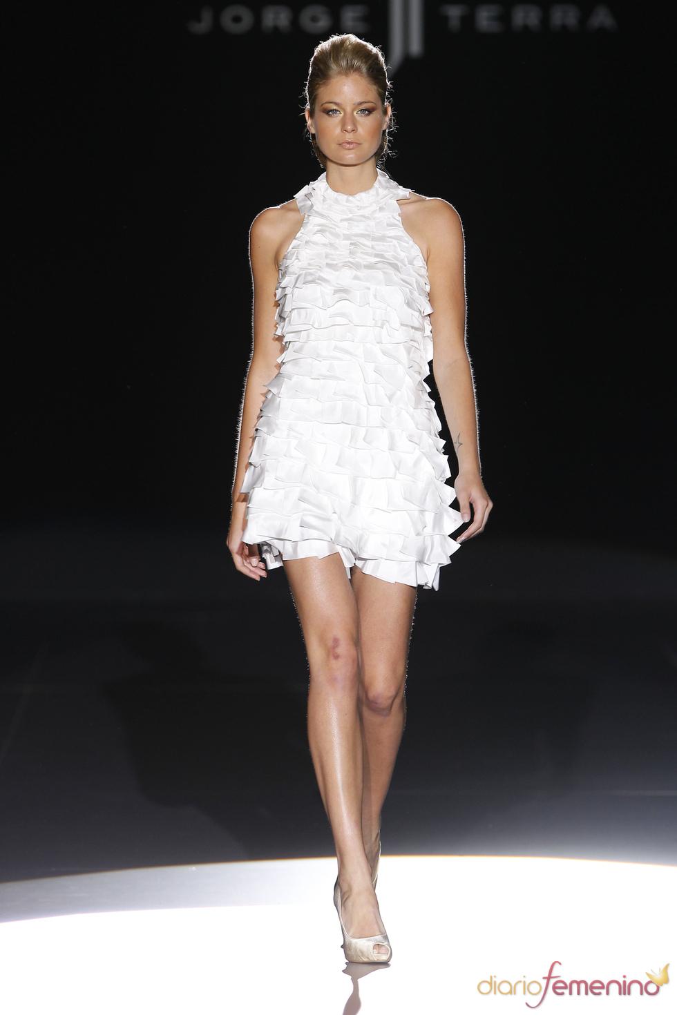Vestido de novia corto de Jorge Terra