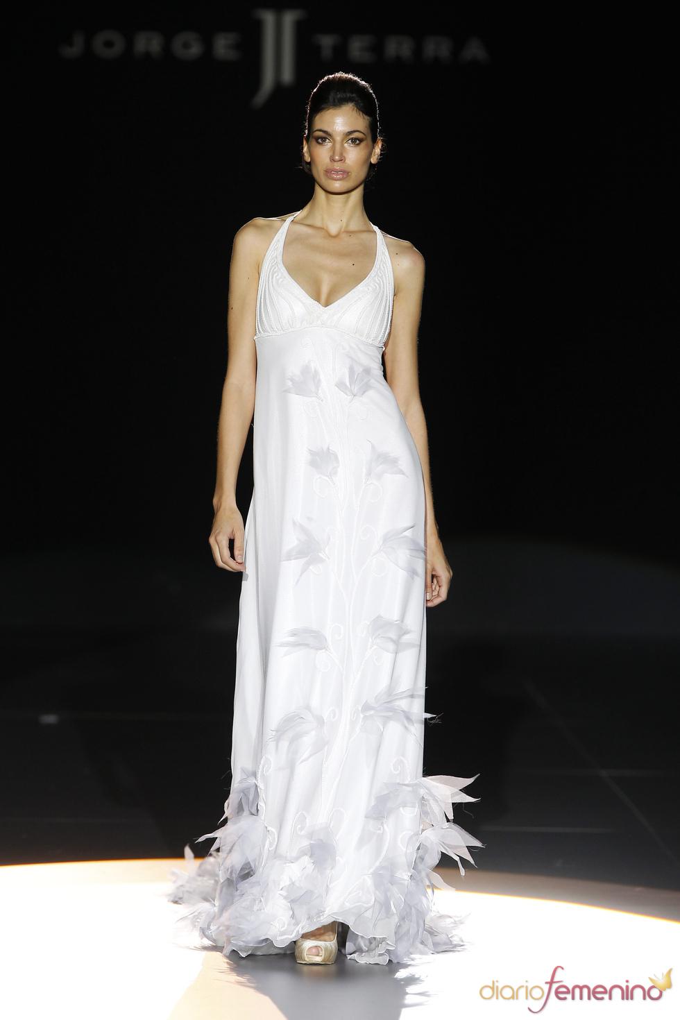 Vestido de novia con plumas de Jorge Terra