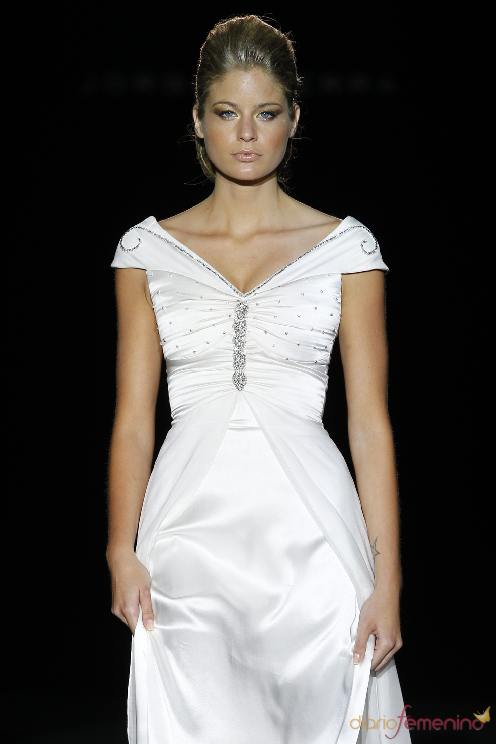 Jorge Terra presenta sus vestidos de novia en Cibeles Novias