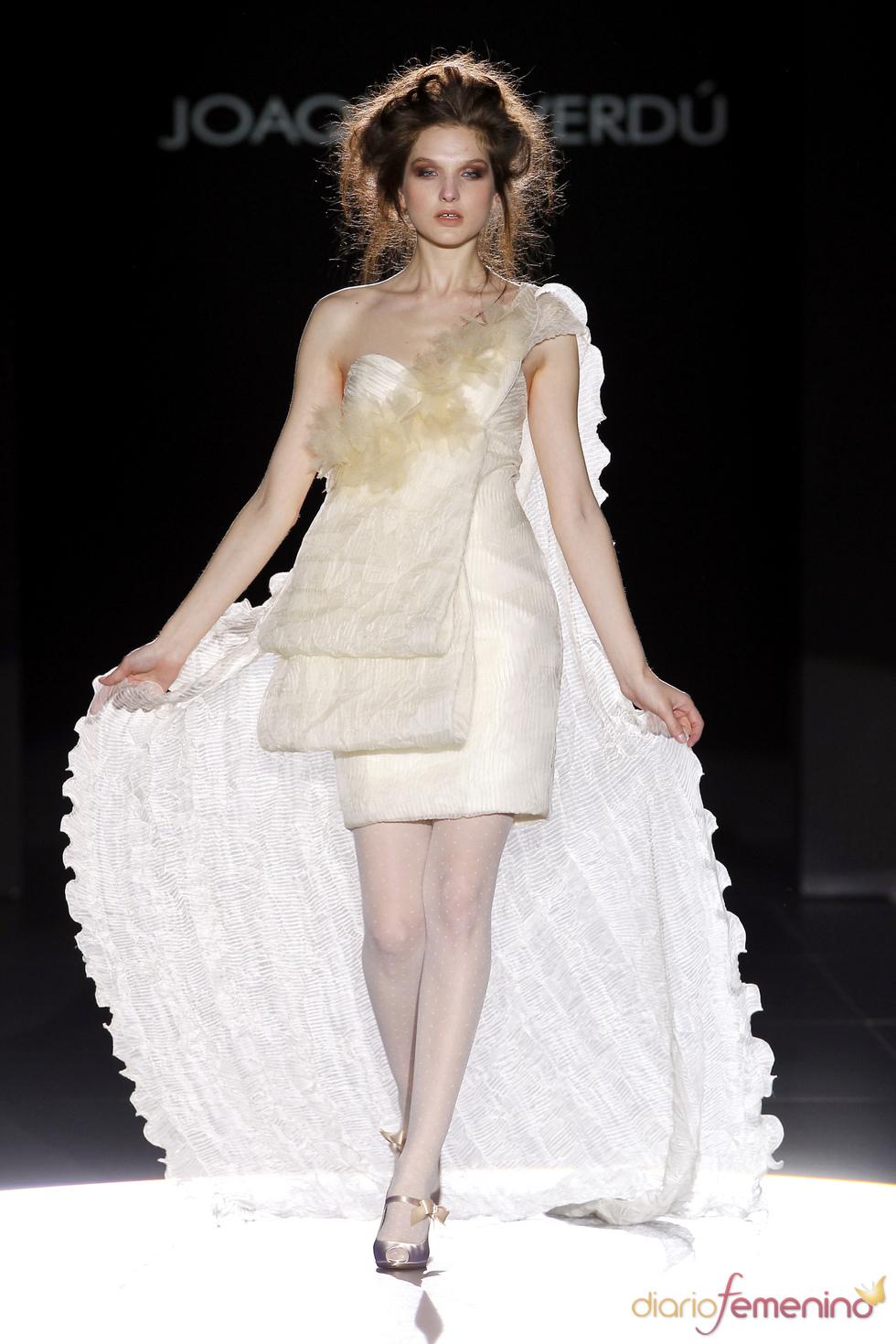 Joaquim Verdú: vestidos de novia vanguardistas