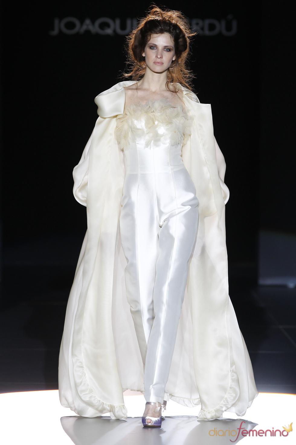 Joaquim Verdú viste a la novia con pantalón