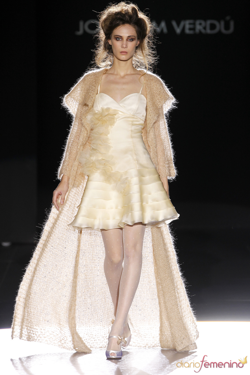 Vestido dorado de Joaquim Verdú