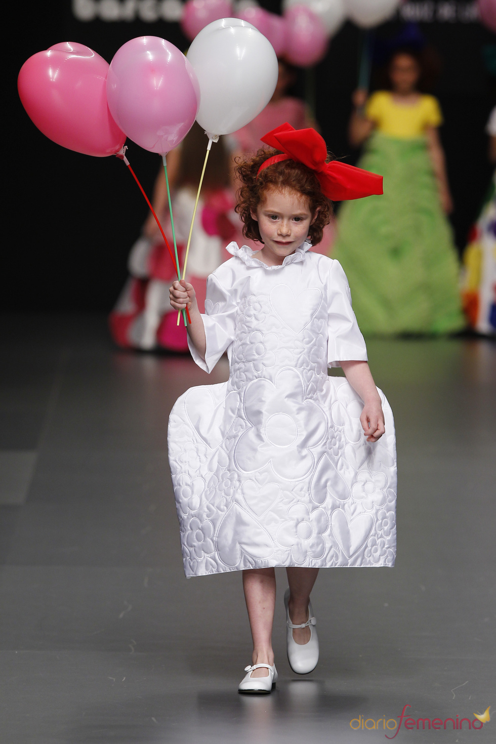 Vestido blanco de Primera Comunión de Agatha Ruiz de la Prada