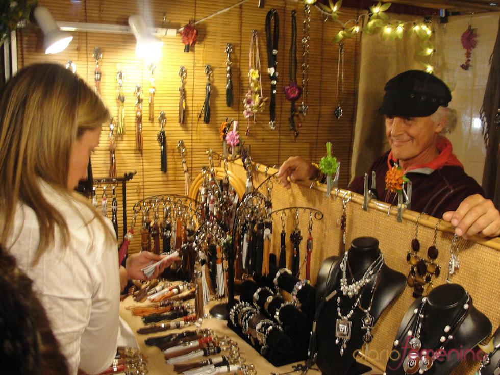 Éxito de los puestos en el mercadillo de Las Dalias - Madrid 2010
