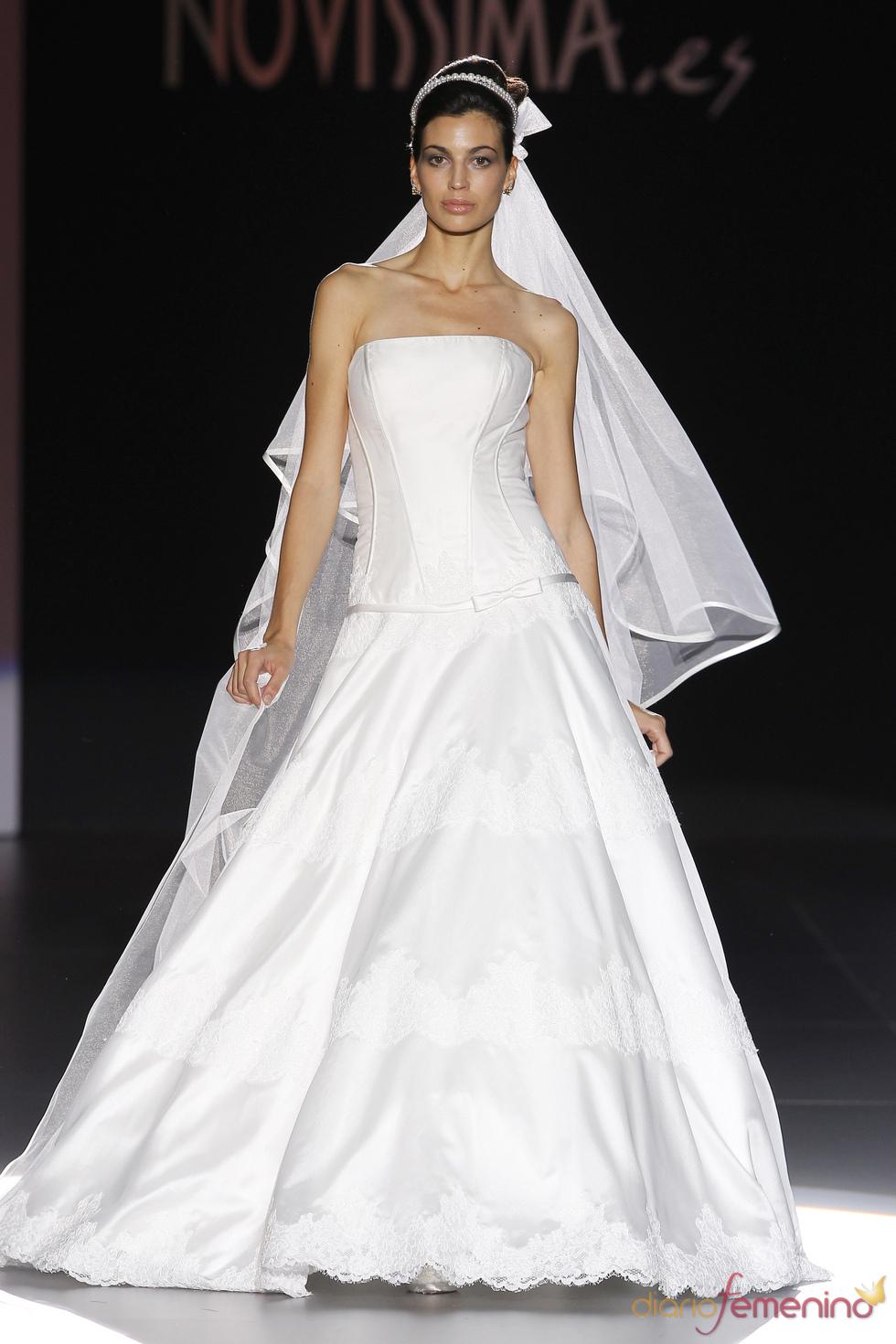 Novissima apuesta por el velo en su colección de novia