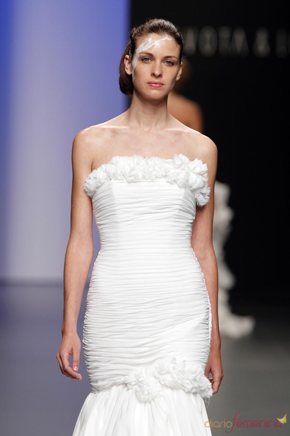Vestido de novia sofisticado de Devota&Lomba