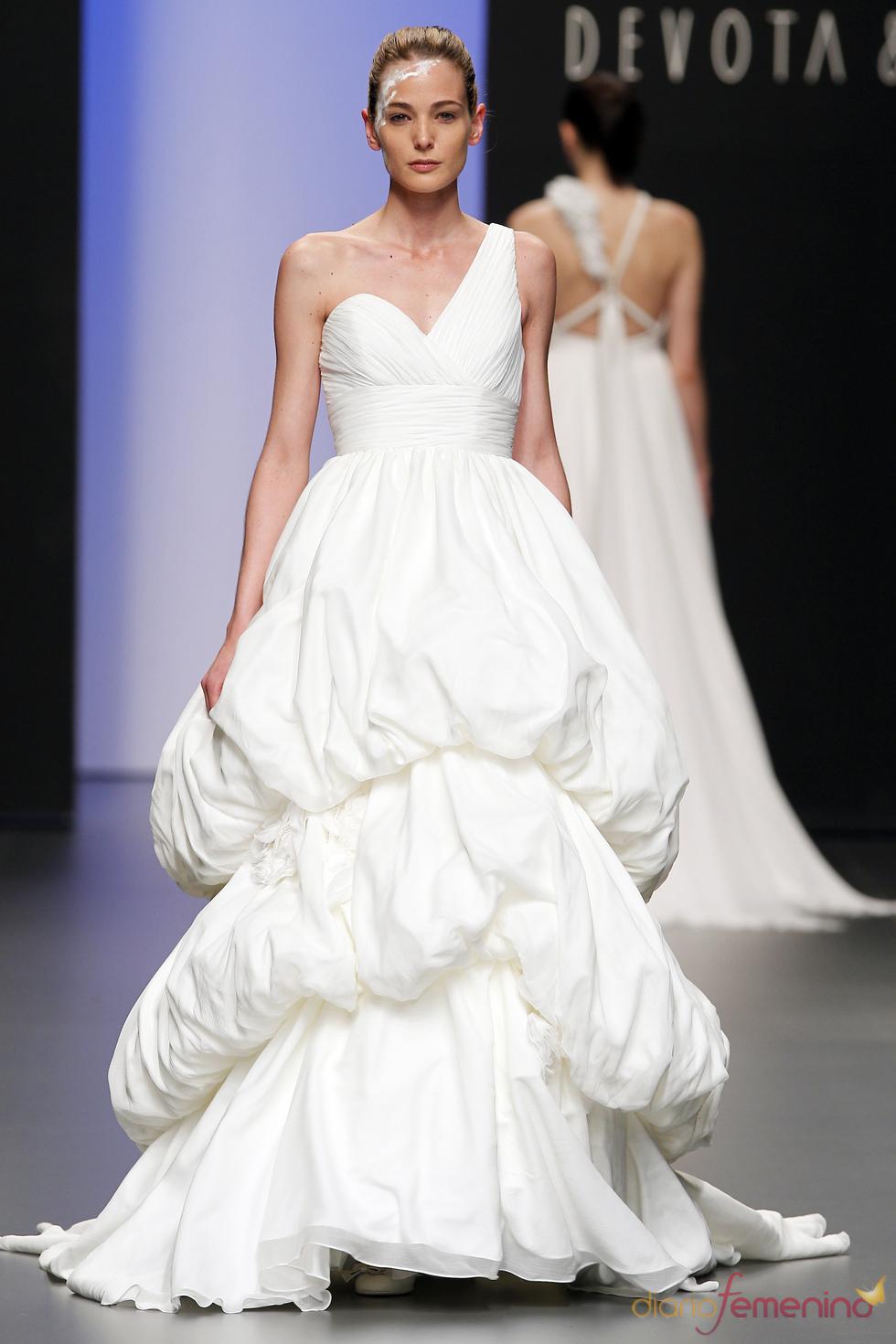 Vestido de novia original de Devota&Lomba