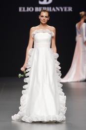 Vestido de novia palabra de honor de Elio Berhanyer