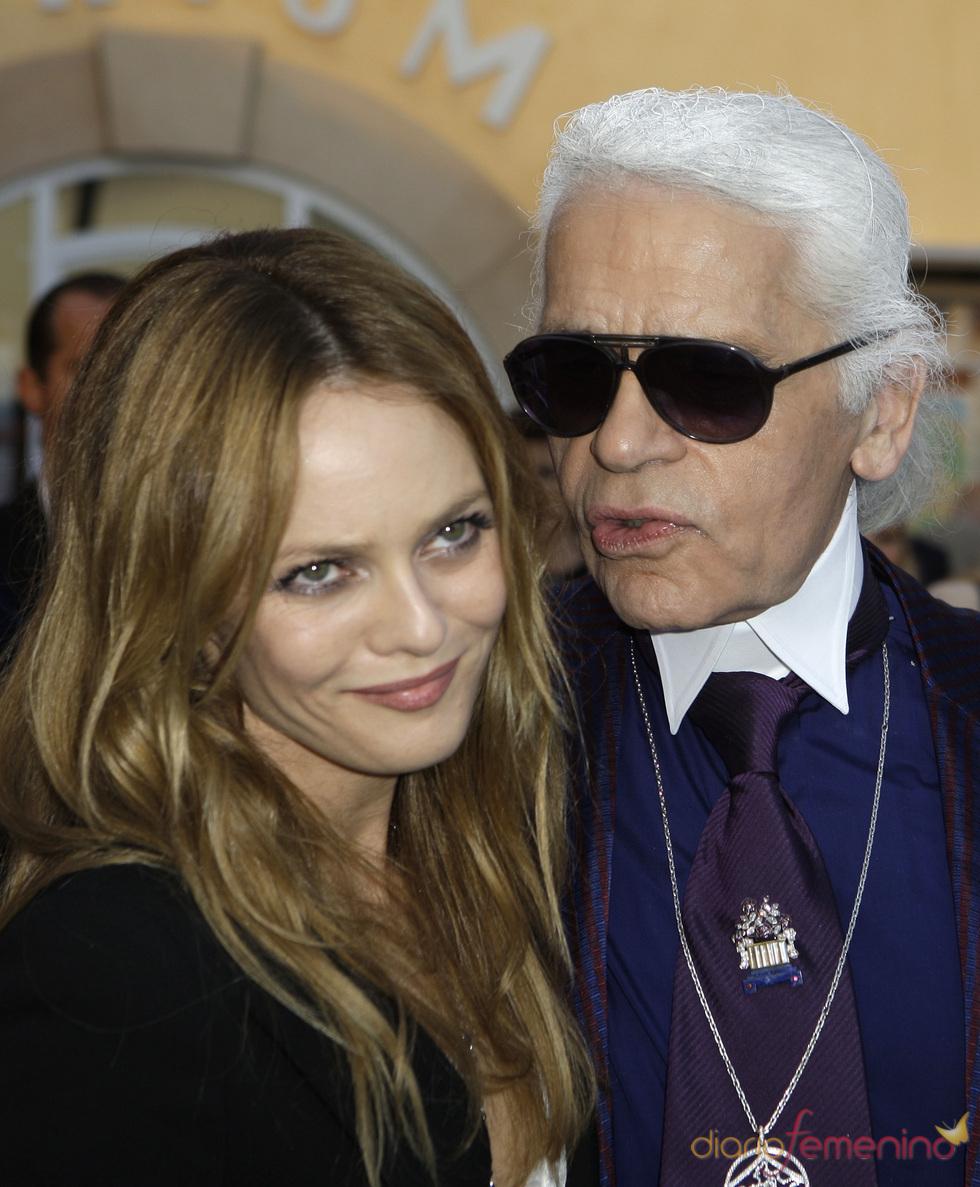 Vanessa Paradis y Karl Lagerfeld en Saint Tropez