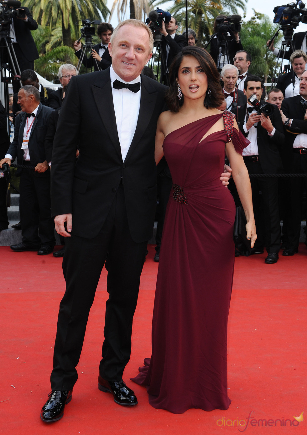 Salma Hayek acude con su marido a Cannes