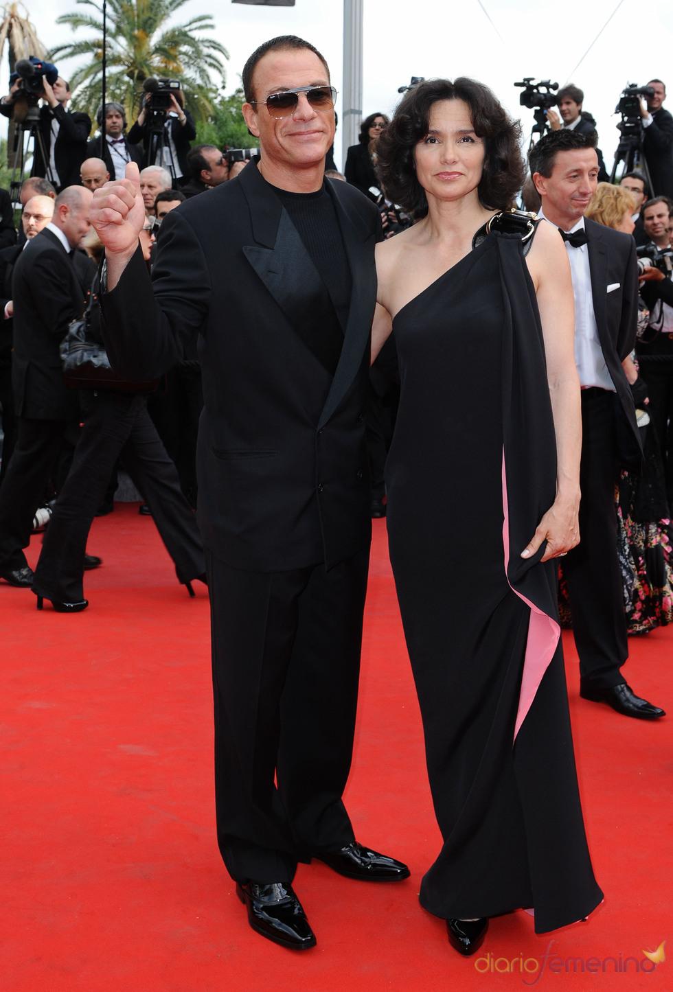 Jean-Claude Van Damme y Gladys Portugues en Cannes