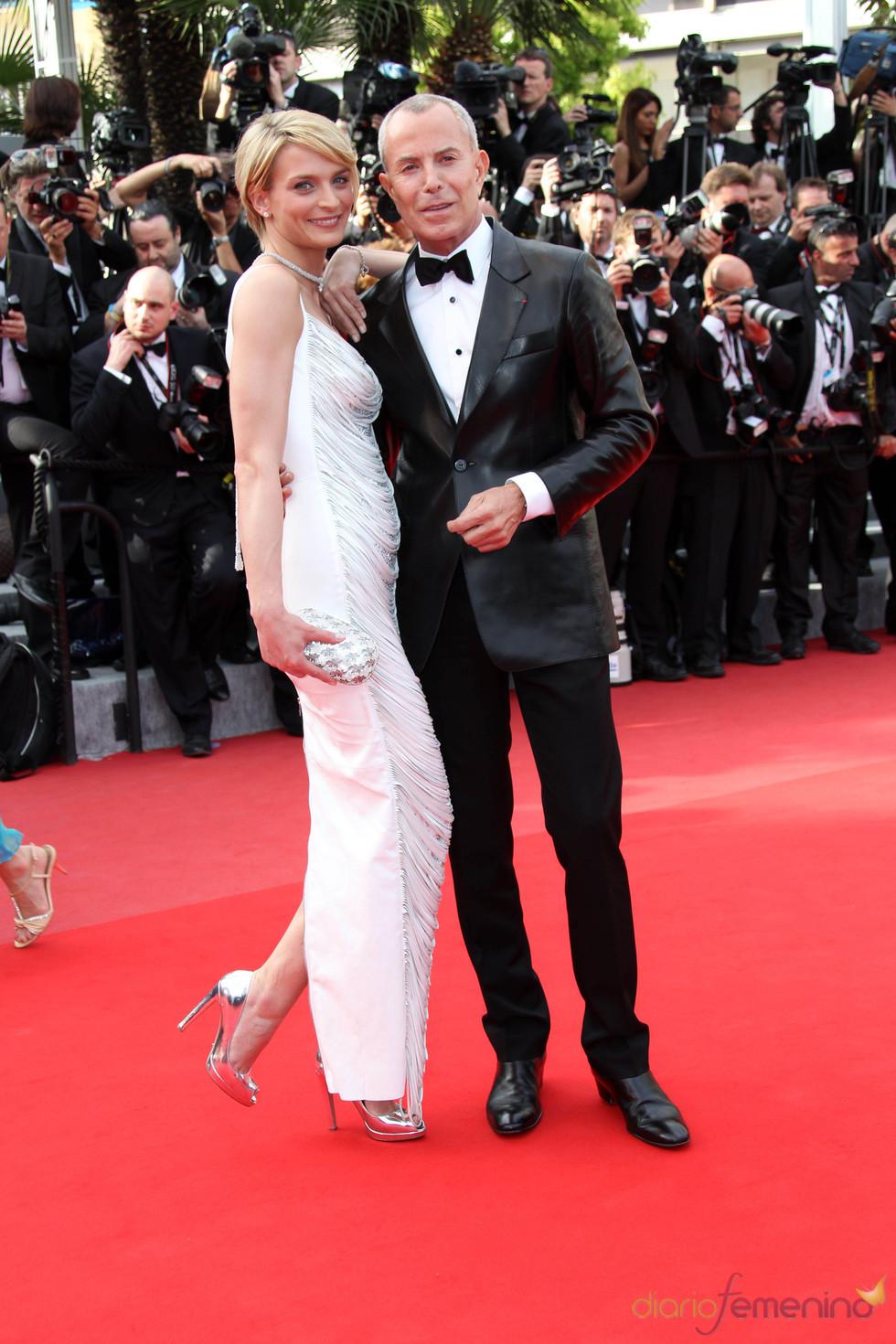 Sarah Marshall y Jean-Claude Jitrois en Cannes