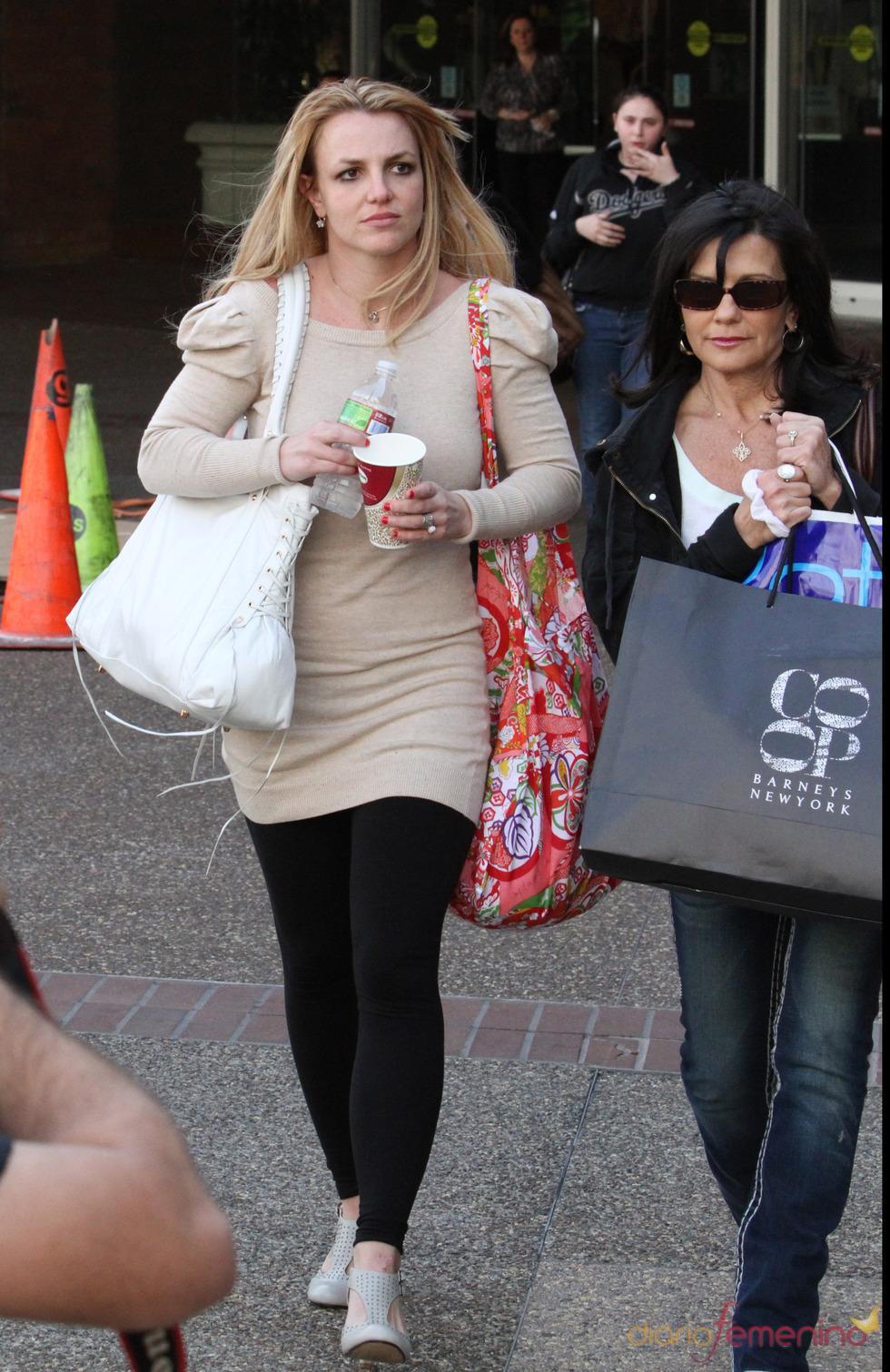 Britney Spears con su look de andar por casa
