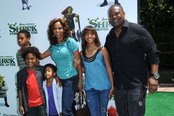 Holly Robinson y Rodney Peete en el estreno de 'Shrek Forever After'