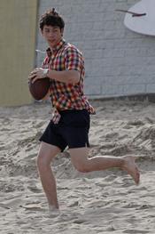 Nick Jonas practicando deporte