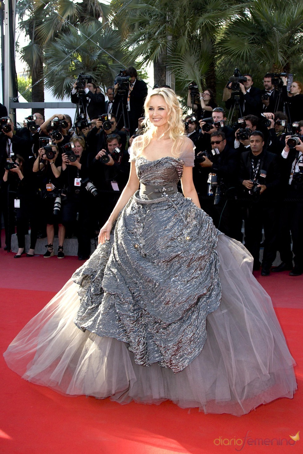 Adriana Karembeu, una princesa en Cannes