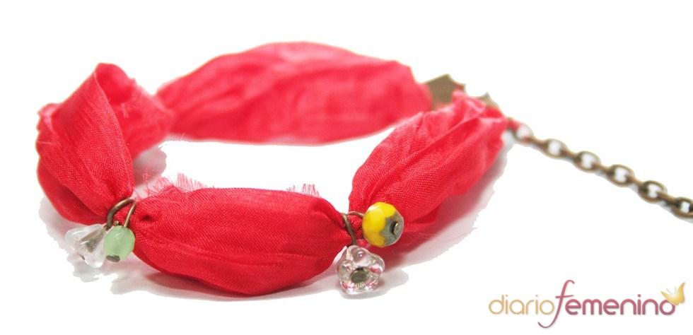 Pulsera de seda roja, de Abataba