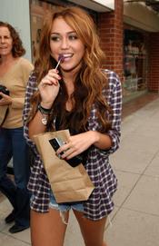 Miley Cyrus celebra el fin de 'Hannah Montana'