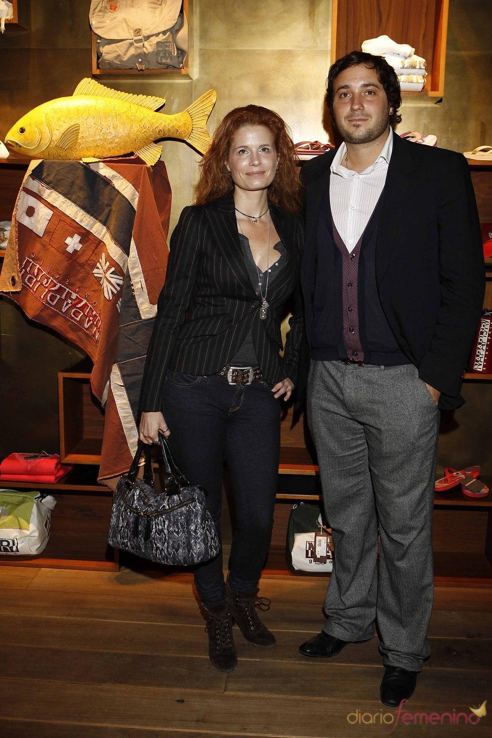 Olivia y Francisco de Borbón en la presentación de Napapijri
