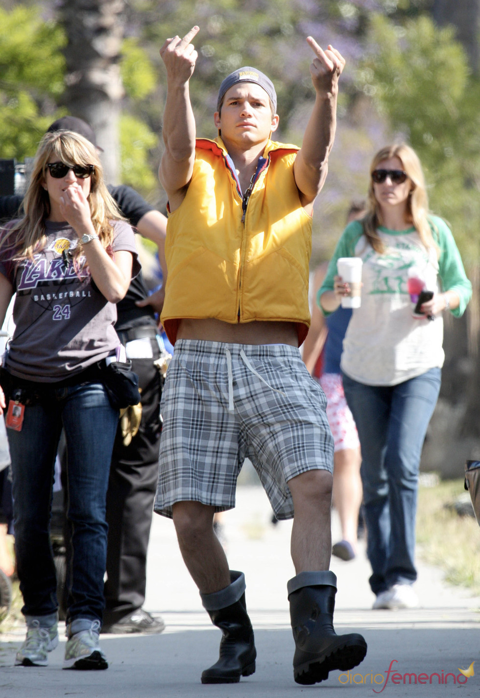 Ashton Kutcher y sus malos modales