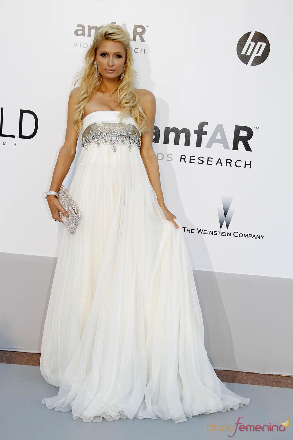 Paris Hilton en la gala AMFAR 2010