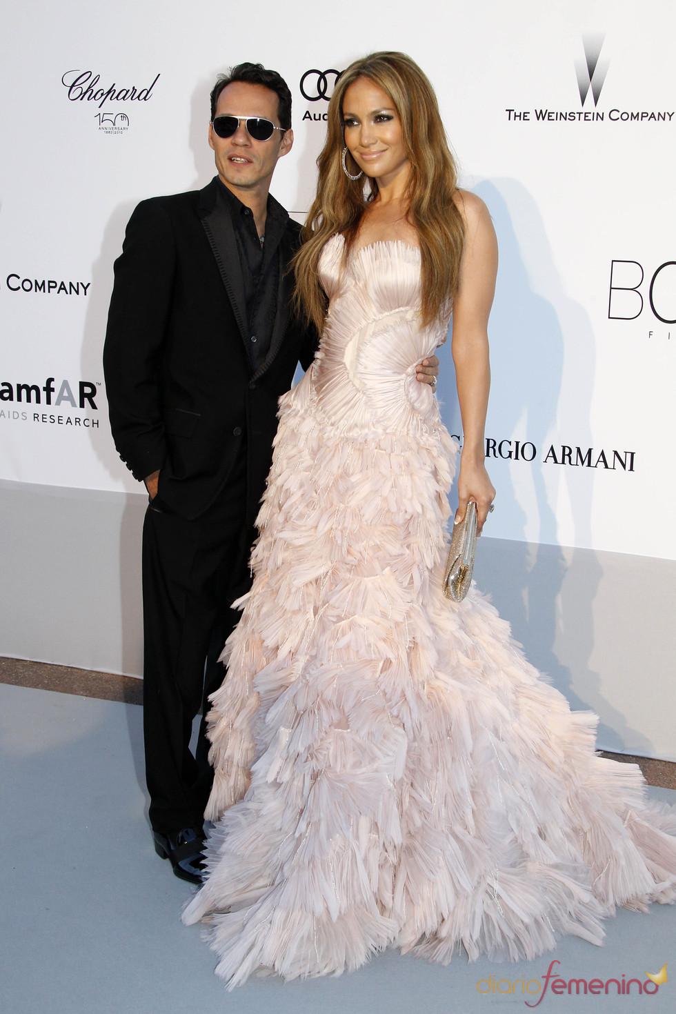Jennifer Lopez y Marc Anthony en la gala AMFAR