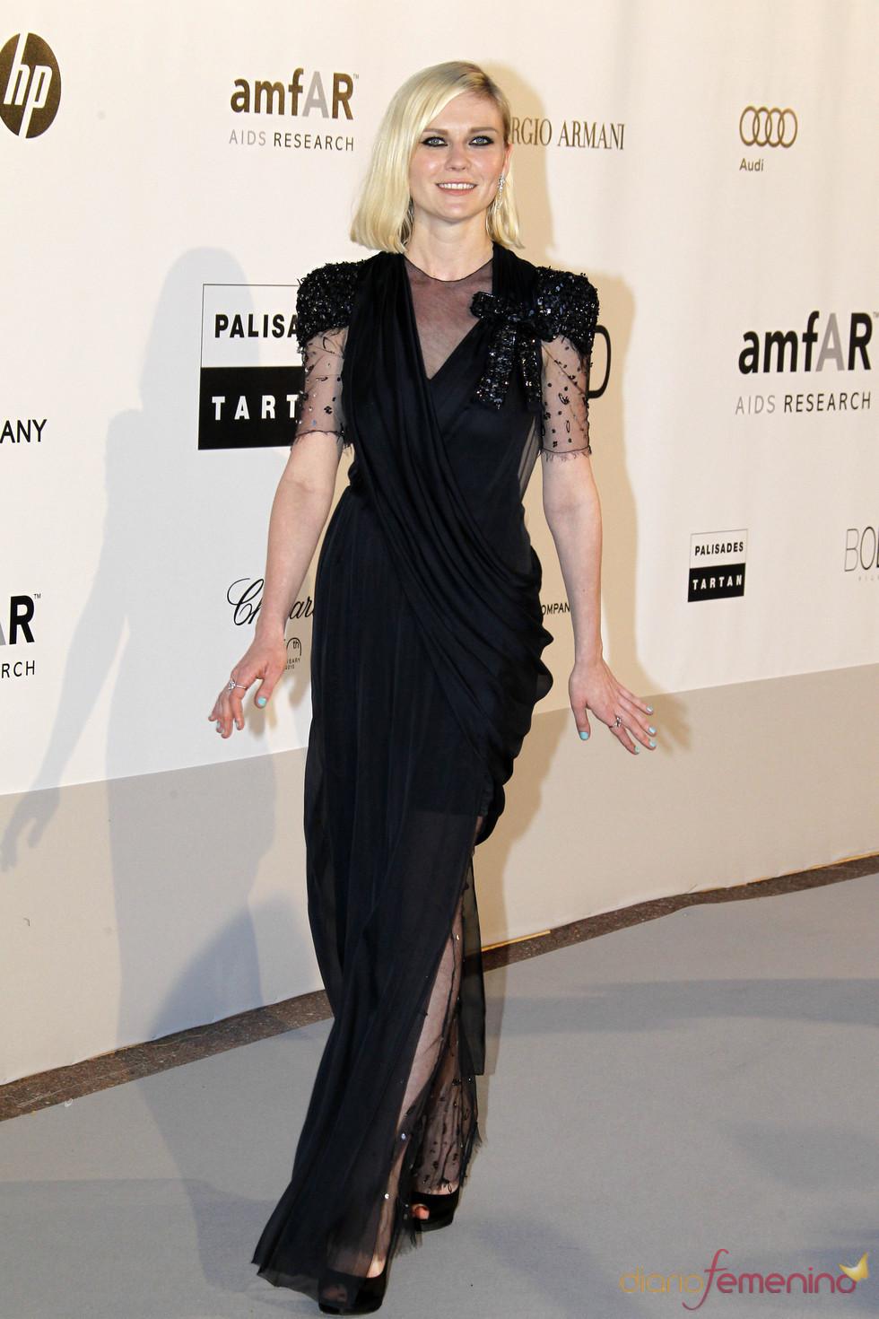 Kirsten Dunst en la gala AMFAR 2010