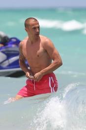 Fabio Cannavaro sin camiseta en Miami