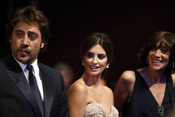 Javier Bardem, Penélope Cruz y Mónica Bardem en Cannes en 2010