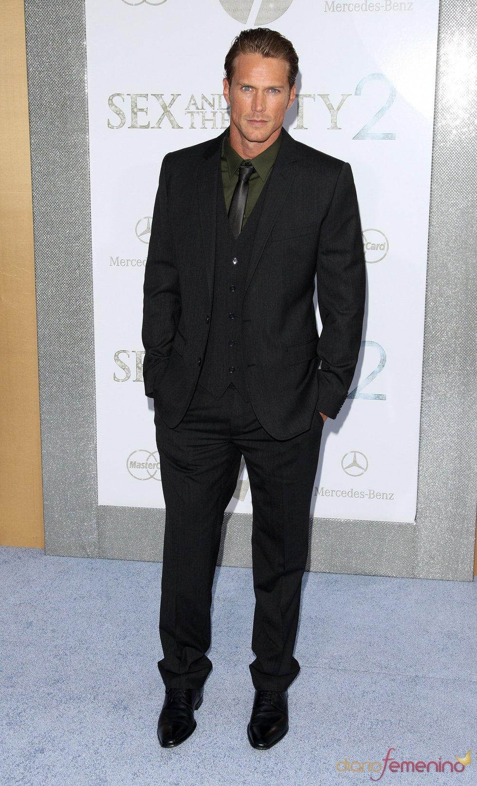 Jason Lewis en el estreno de 'Sexo en Nueva York 2'