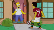 Cristiano Ronaldo marca un gol a Homer de Los Simpsons