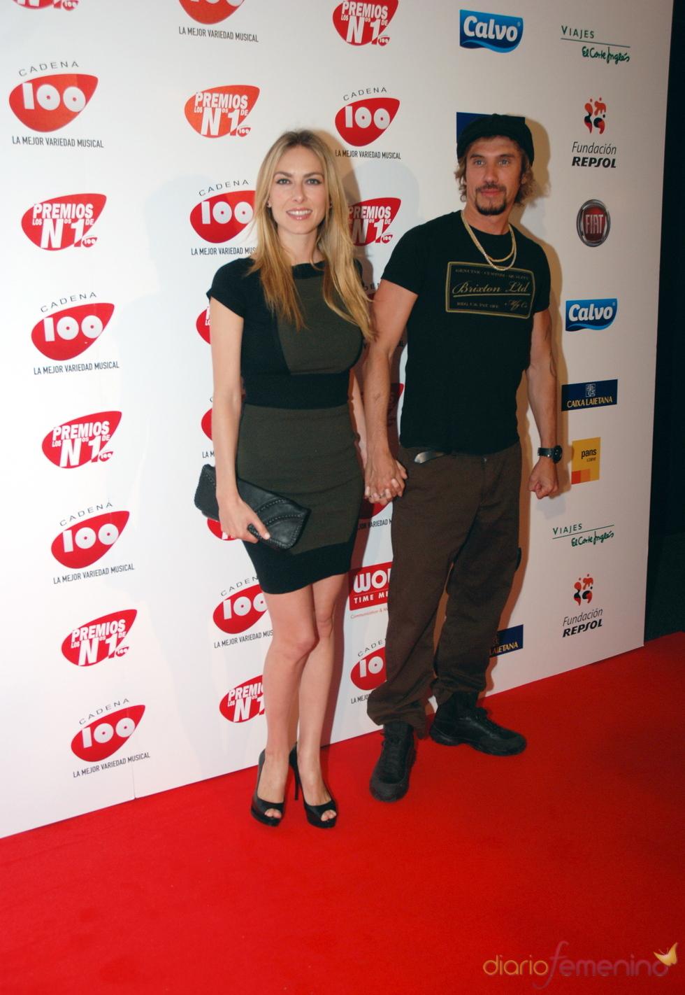 Kira Miró y Macaco en los Premios Cadena 100