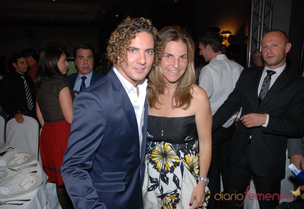 David Bisbal y Arancha Sánchez Vicario en los Premios Cadena 100