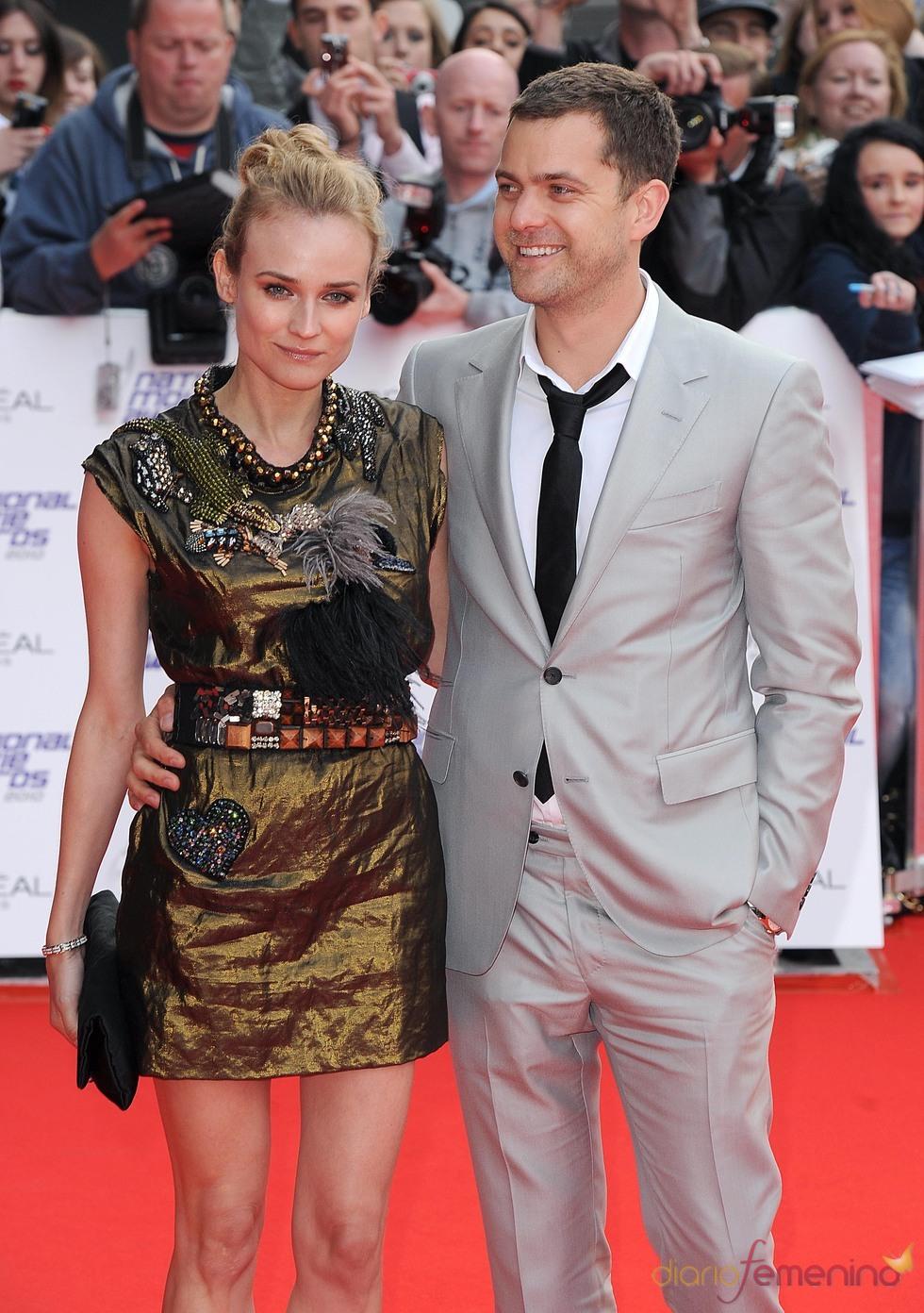 Diane Kruger y Joshua Jackson en los National Movies Awards
