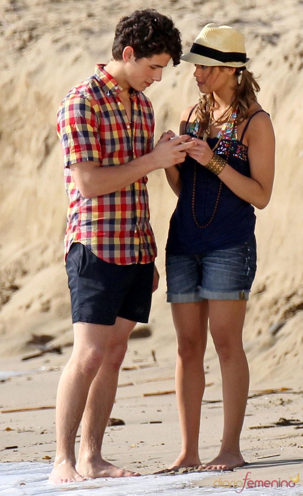 Nick Jonas y Nicole Anderson pillados juntos