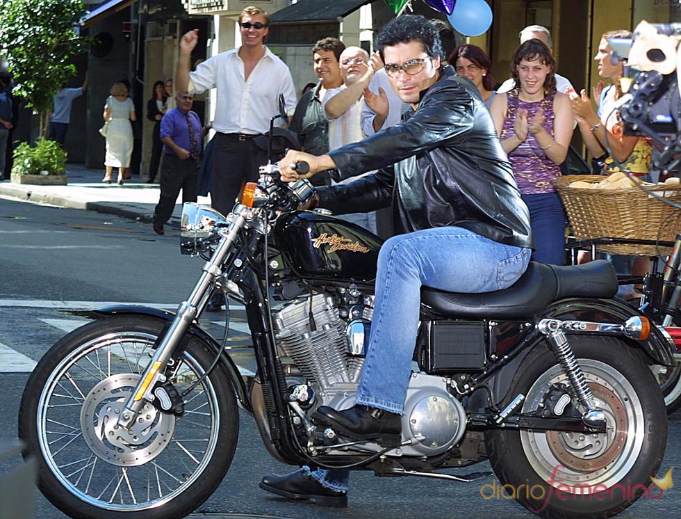 Chayanne en moto