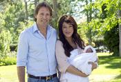 Sonia y Ferrer y Marco Vricella, padres de una niña