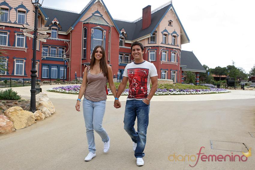 Elena Furiase con su novio