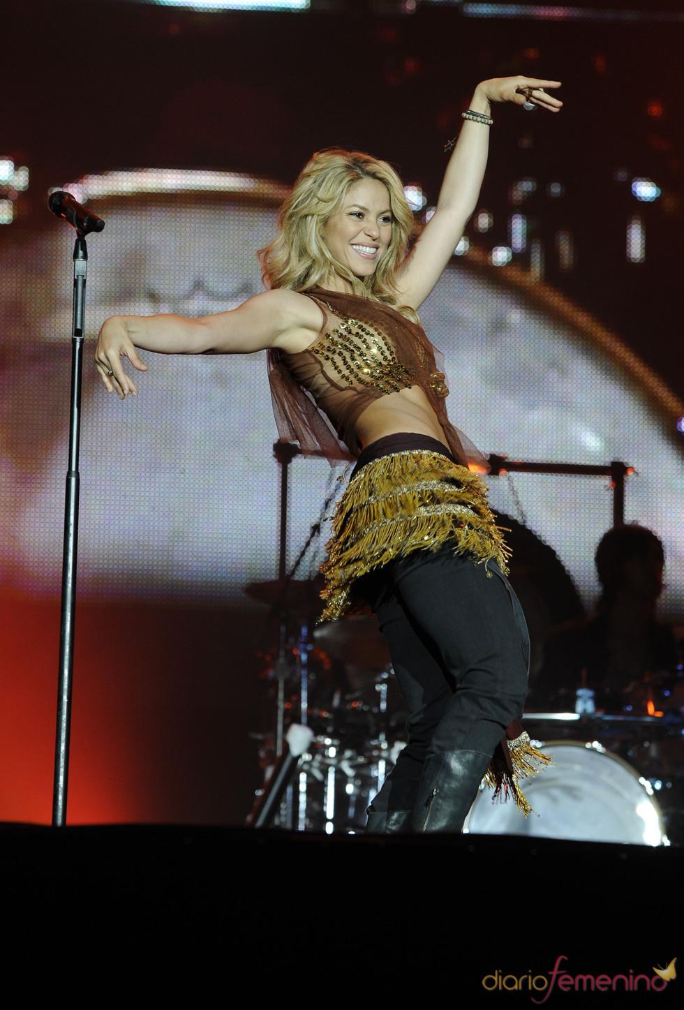 Shakira mueve las caderas en Rock in Rio 2010