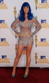 Katy Perry con peluca en los MTV Movie Awards 2010