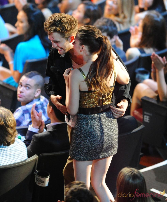Robert Pattinson y Kristen Stewart, MTV al mejor beso de película